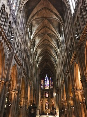 FR_METZ_CATHEDRALE_interieur1_post